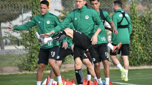 Konyasporda Fenerbahçe mesaisi başladı