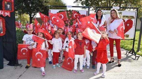 Minik yürekler Cumhuriyetin kuruluşunun 96ncı yılını kutladı