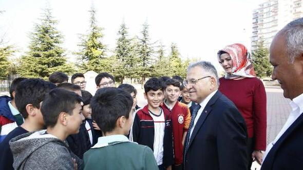 Başkan Büyükkılıç, öğrencilerle buluştu