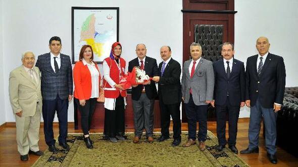 Vali Coşkun, Kızılay Haftasını kutladı