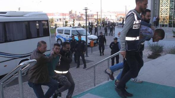 1i polis 2 kişinin yaralandığı silahlı çatışmaya 2 tutuklama
