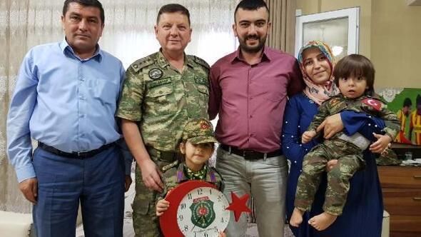 Albay Sancaktardan, Gazi ve ailelerine ziyaret