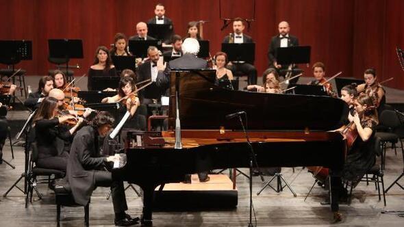 Piyanist Cem Babacan Senfoni Orkestrasının konuğu oldu