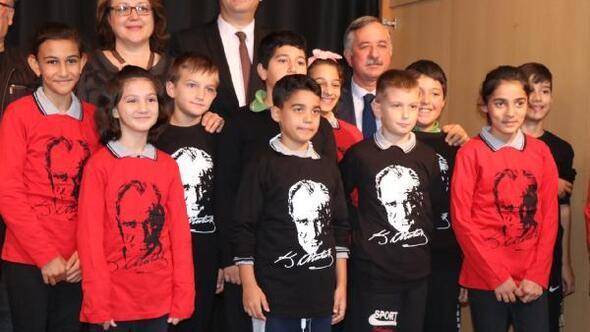 Edirne'de ortaokula başlayan öğrencilere 'Atatürk'le merhaba