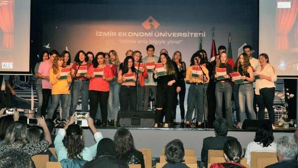 İzmir Ekonomi Üniversitesinde İtalyan gecesi