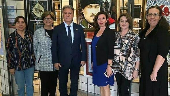 Bornovada Atatürk ve Sanat sergisi açıldı