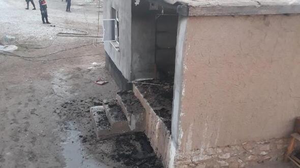 Aksaray'da çıkan yangında 1 ev kül oldu