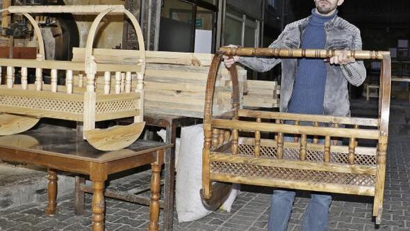 Tahta beşik geleneği Diyarbakırda sürüyor