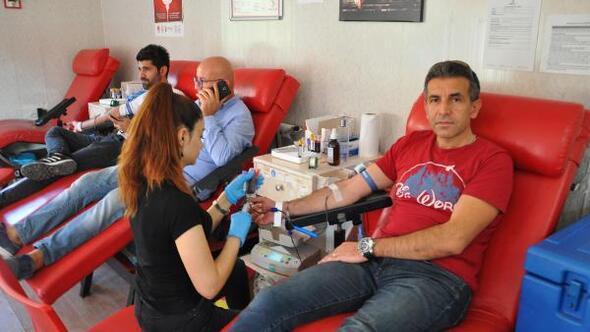 Büfeciler ve Kantinciler Odası'ndan Kızılay'a kan bağışı
