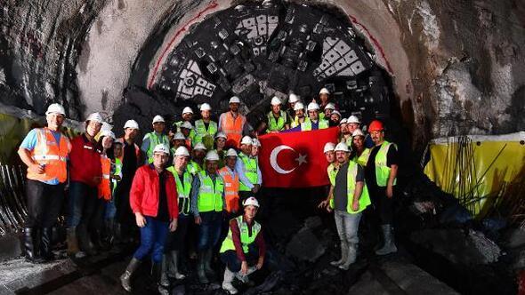 İzmir Narlıdere Metrosunda iki istasyon birleşti