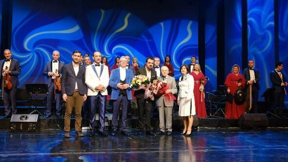 Bursa'daki Ferda Anıl Yargın konseri büyük ilgi gördü