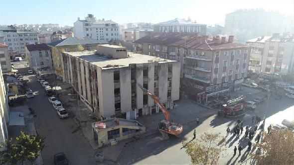 Sivasta metruk binalar yıkılıyor