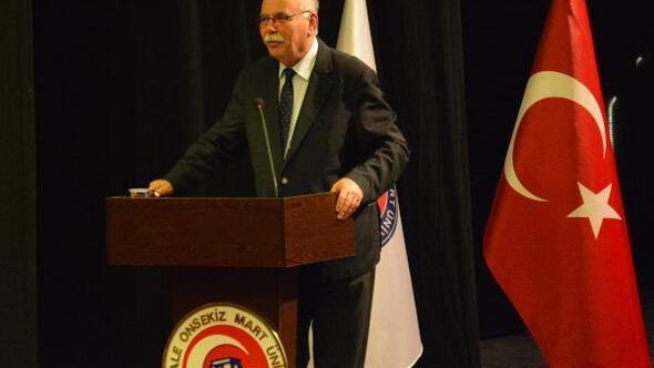 Başkan Gökhan, ÇOMÜde konferans verdi