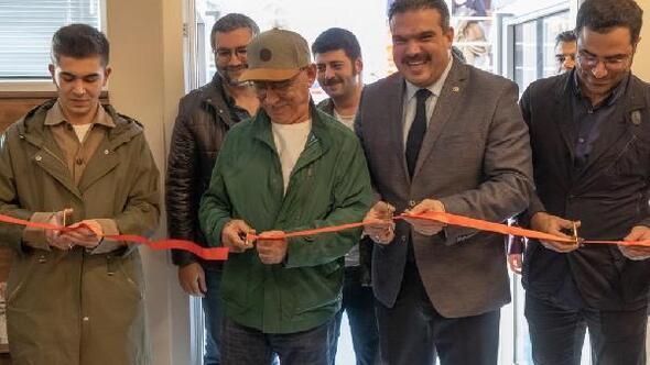 Şener Şen, kendi adını taşıyan kültür salonunun açılışına katıldı