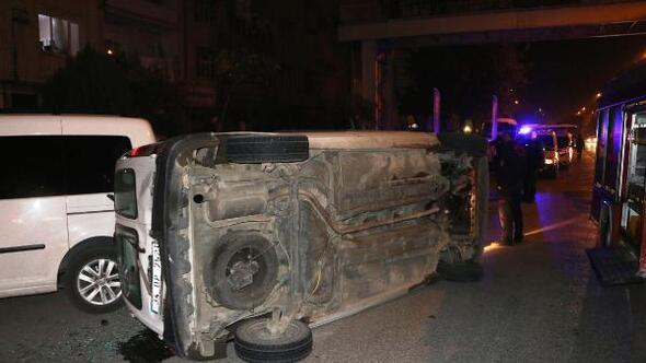 Hafifticari araç devrildi, sürücüsü yaralandı