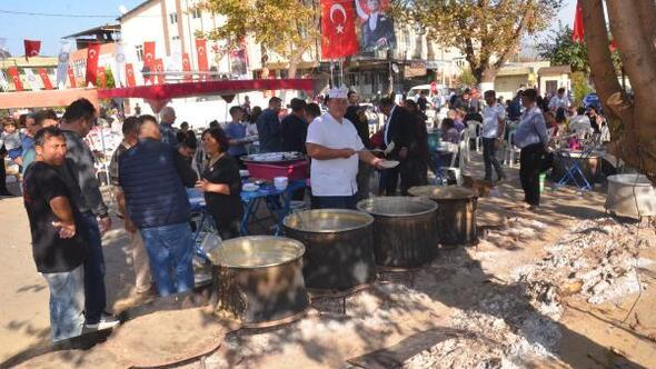 Nazillide, Atatürk için 25 kazan keşkek dağıtıldı