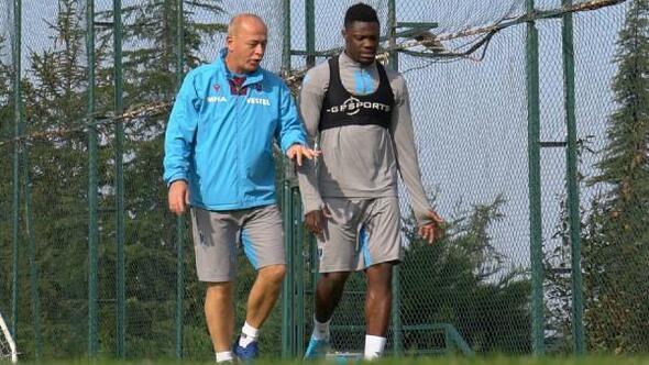 Trabzonsporda Caleb Ekuban antrenmanlara başladı