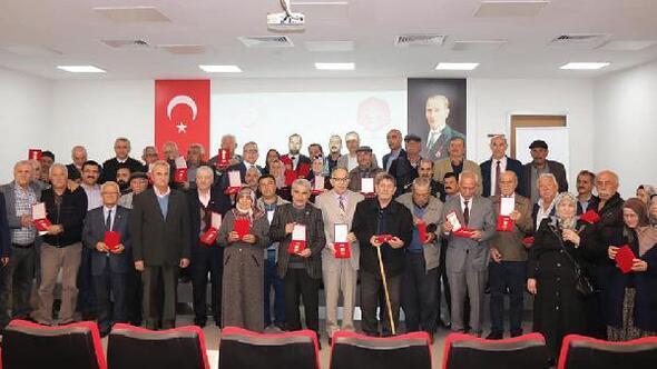 Niğde'de 37 Kıbrıs gazisine madalyaları verildi