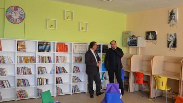 Köy okulundaki kütüphane ve bilim fuarının açılışı yapıldı