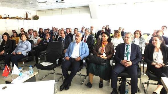 Burhaniye'de 'Geleneksel Bitkisel Tıbbi Ürünler' toplantısı düzenlendi
