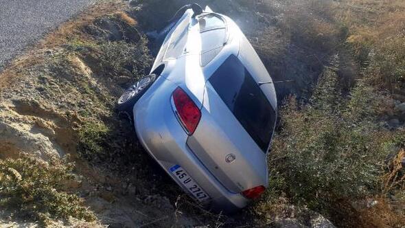 Evli çift kazada yaralandı