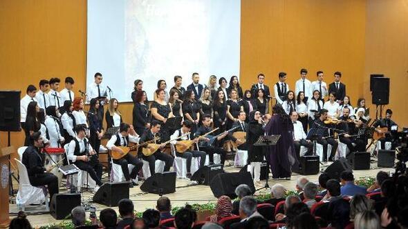 Öğretmen ve öğrencilerden müzik ziyafeti