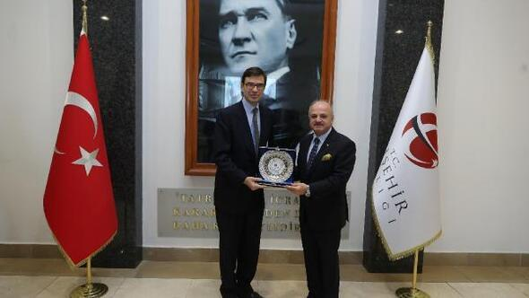 Vali Çakacak, İspanya'nın Ankara Büyükelçisi Barba'yı kabul etti