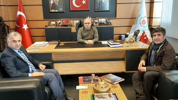 Pantomim sanatçısı Aksoy, Başkan Oralı ziyaret etti