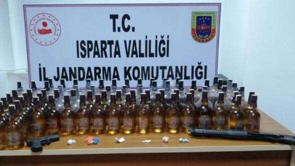 Jandarmadan kaçak içki ve uyuşturucu operasyonu