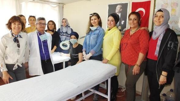 Burhaniyeli kadınlar cilt bakım kursuna ilgi gösterdi