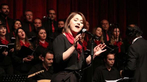 Sivasta Gönüllü Öğretmenler Korosu konser verdi