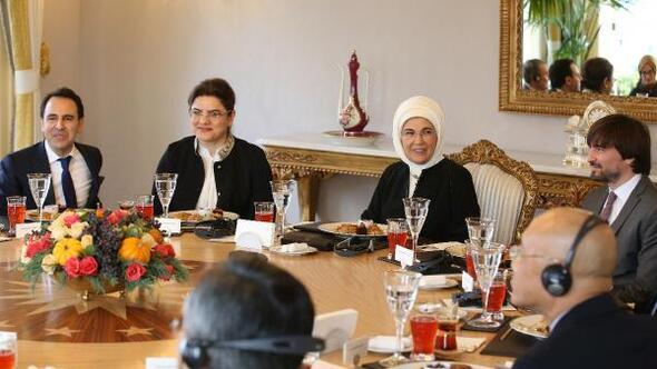 Çocuk doktorları, Emine Erdoğan'ı ziyaret etti
