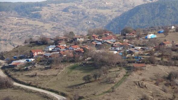 Muhtarları akraba olan komşu köylülerin su anlaşmazlığı