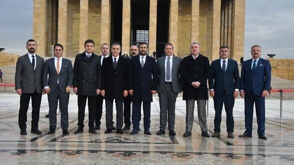 Ankaragücü'nün yeni yönetiminden Anıtkabir'e ziyaret