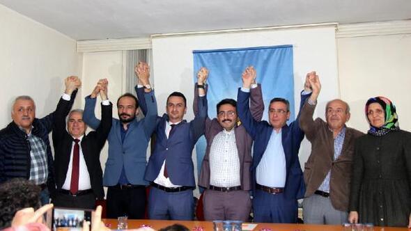 AK Partinin yeni başkanı partililerle buluştu