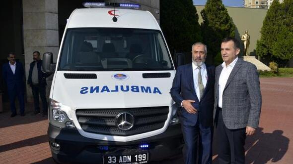 Emekli hayırseverden belediyeye ambulans