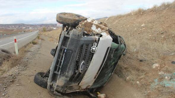 Gemerekte minibüs devrildi: 1 yaralı