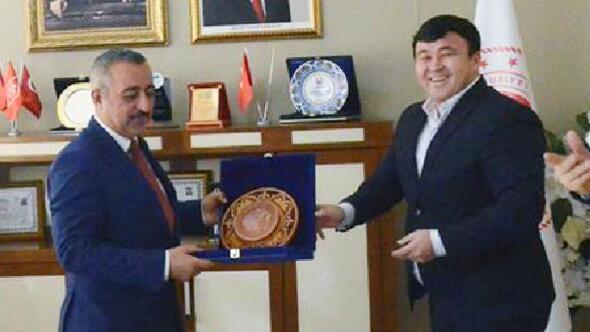 Kazakistan heyeti, Niğde tarımı hakkında bilgi aldı