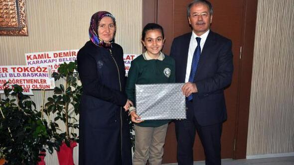 Öğretmen sevgisi yarışmasında ödüller verildi