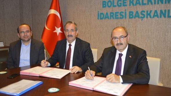 DAP'tan Adilcevaz Belediyesinin tarımsal sulama projesine destek