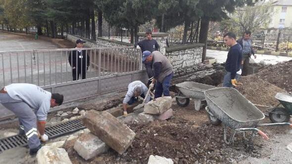 İbradıdaki okulların yağmur sorunu çözüldü