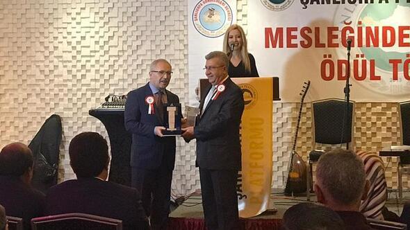 Selvi'ye 'Yılın en iyi yazarı' ödülü
