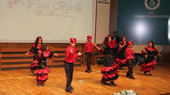 Şırnaktaki engelliler, günlerini Hint dansı yaparak kutladı