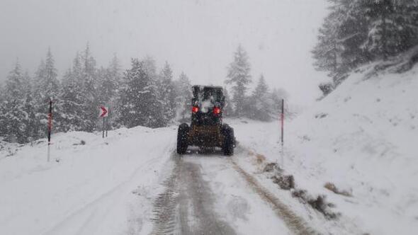 Kahramanmaraşta karla mücadele devam ediyor