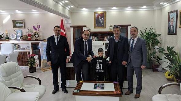 Kaymakamdan şehit yeğenine Beşiktaş forması