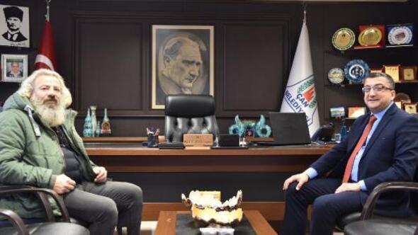 Oyuncu Mehmet Elmas, Başkan Özüziyaret etti