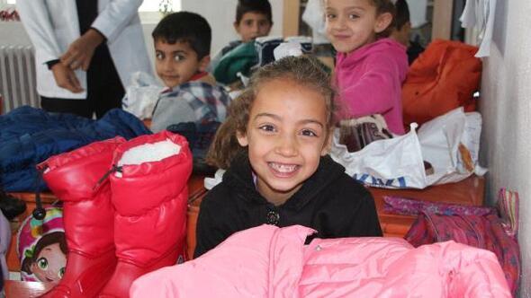 İstanbuldan Şırnaklı öğrencilere giyim yardımı