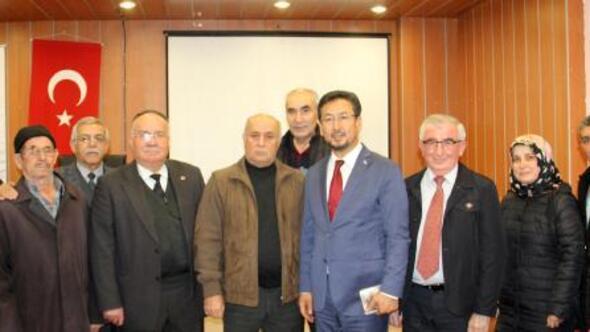Dinarda Doğu Türkistan konferansı