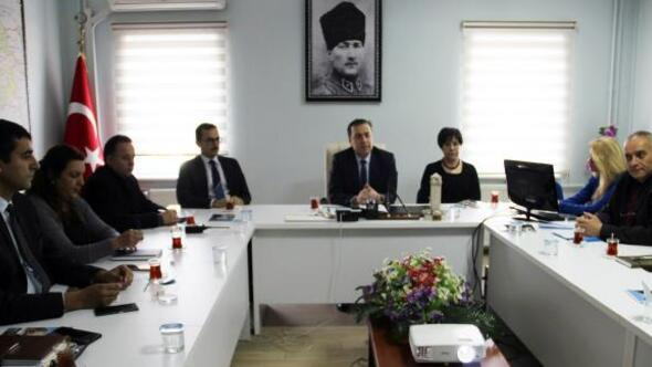 Dinarda bağımlılıkla mücadele toplantısı yapıldı