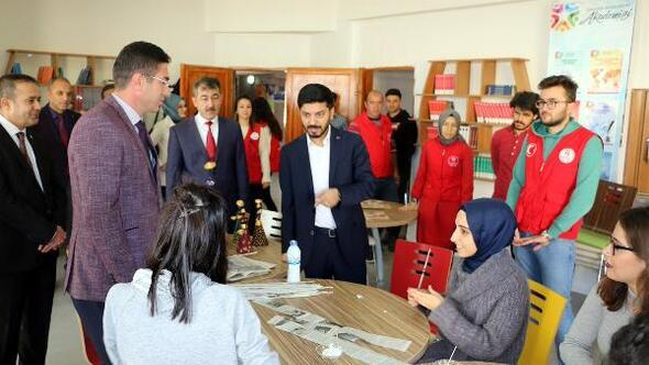Gençlik Hizmetleri Genel Müdürü Topoğlu, Niğdede gençlerle buluştu